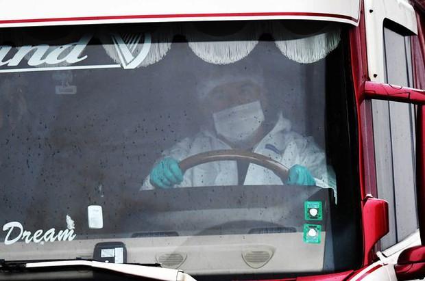 Chuyến đi tử thần của 39 nạn nhân trong xe container: Nhân viên an ninh tiết lộ lý do chiếc xe vượt qua được hải quan Anh Quốc - Ảnh 3.