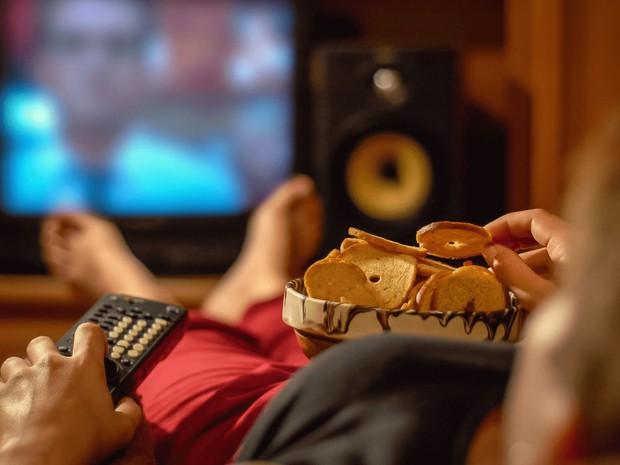 Nhiều nghiên cứu cho thấy: giới trẻ xem thứ này hàng giờ đồng hồ có thể làm gia tăng nguy cơ mắc bệnh tiểu đường và béo phì - Ảnh 2.