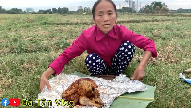 """Vừa tuyên bố không làm clip """"siêu to khổng lồ"""" nữa, Bà Tân Vlog đã chuyển sang thử thách ăn uống và nấu ăn đời thường?  - Ảnh 4."""