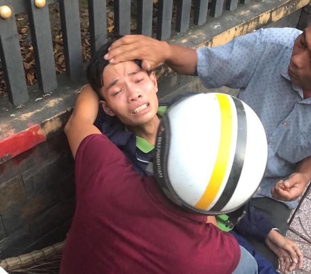 TP.HCM: Mẹ bị xe tải cán tử vong sau va chạm, con trai khóc ngất tại hiện trường - Ảnh 2.