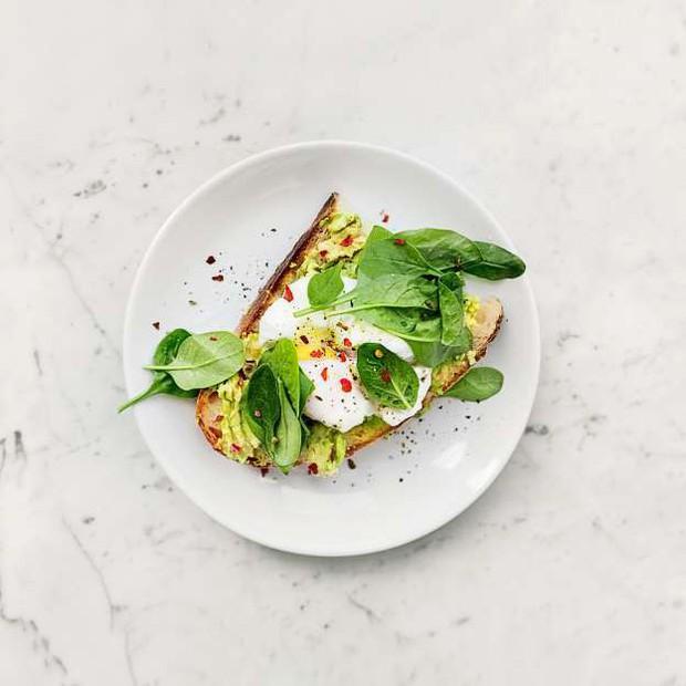 3 thực phẩm nên ăn vào bữa sáng để giúp bạn giảm cân nhanh hơn - Ảnh 2.