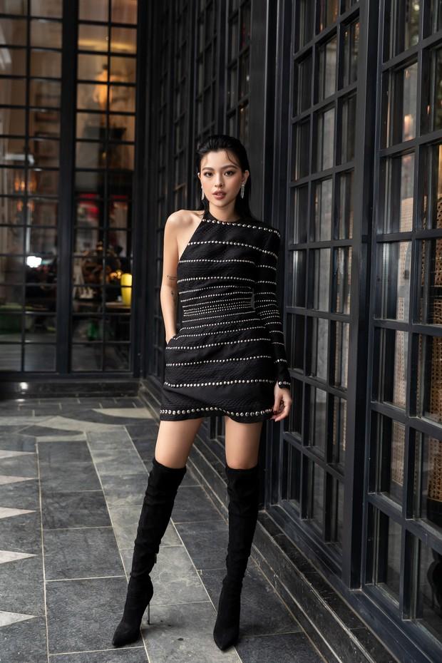 Chẳng ngán cái lạnh Sapa, Ngọc Trinh và Kỳ Duyên lên đồ sexy dự show của NTK Lê Thanh Hòa - Ảnh 22.