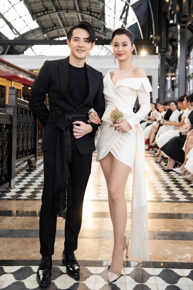 Chẳng ngán cái lạnh Sapa, Ngọc Trinh và Kỳ Duyên lên đồ sexy dự show của NTK Lê Thanh Hòa - Ảnh 10.