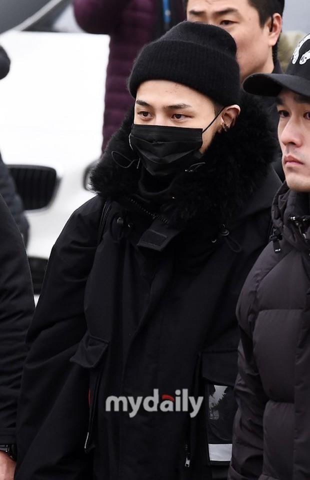 Đẳng cấp G-Dragon xuất ngũ: 1.000 phóng viên đăng ký đón, 2.000 fan túc trực từ đêm nín thở chờ ông hoàng comeback - Ảnh 7.