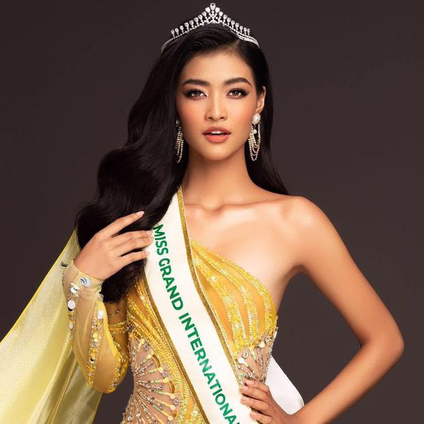 Dừng chân đầy tiếc nuối, không dành được vương miện Miss Grand International 2019 nhưng Kiều Loan vẫn gây ấn tượng với thành tích học siêu khủng - Ảnh 1.