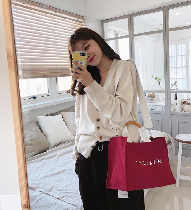 Sooyoung có 3 cách mặc cardigan tuyệt xinh, bạn mà áp dụng thì mỗi lần diện cardigan là một lần tỏa sáng - Ảnh 2.