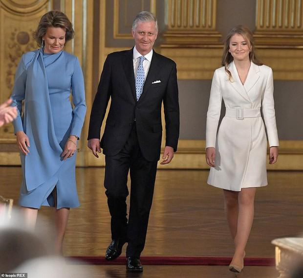 Chân dung nàng Công chúa đẹp tựa nữ thần vừa tròn 18 tuổi, sinh ra đã ở vạch đích, gánh trên vai vận mệnh của Hoàng gia Bỉ - Ảnh 1.