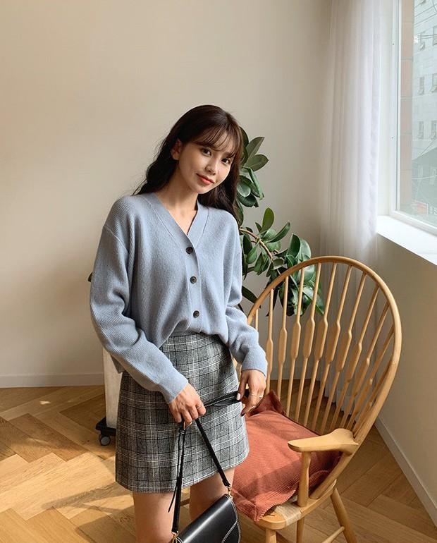 Sooyoung có 3 cách mặc cardigan tuyệt xinh, bạn mà áp dụng thì mỗi lần diện cardigan là một lần tỏa sáng - Ảnh 13.