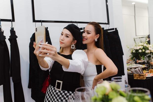 """Vợ chồng ca sĩ Tuấn Hưng cùng dàn hot face Hà Thành nô nức """"đu đưa"""" mừng DJ Tít làm bà chủ showroom thời trang - Ảnh 4."""