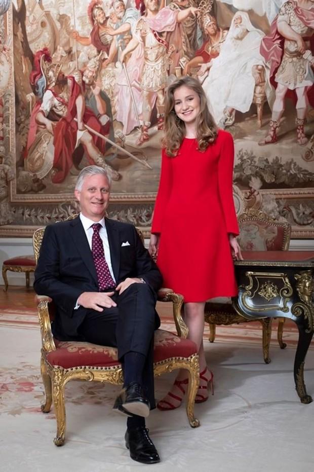 Chân dung nàng Công chúa đẹp tựa nữ thần vừa tròn 18 tuổi, sinh ra đã ở vạch đích, gánh trên vai vận mệnh của Hoàng gia Bỉ - Ảnh 8.