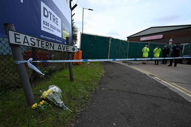 Thảm kịch 39 người chết trong container: Người dân Anh tổ chức thắp nến cầu nguyện cho các nạn nhân - Ảnh 6.