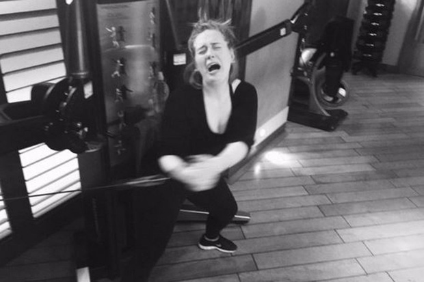 Từng bị body shaming vì thân hình béo ú, Adele đã làm cách nào để giảm được tới 19kg khiến ai cũng phải trầm trồ? - Ảnh 9.