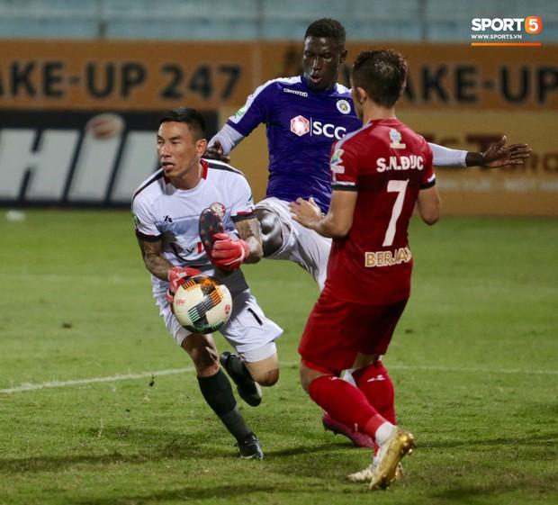 Trợ lý người Hàn Quốc khóc nức nở, không phục thất bại trước Hà Nội FC ở bán kết Cúp Quốc gia 2019 - Ảnh 4.