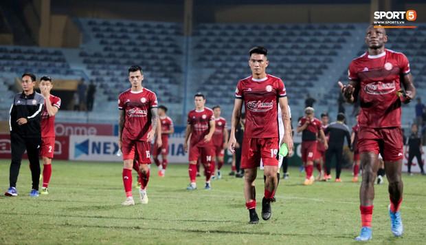 Trợ lý người Hàn Quốc khóc nức nở, không phục thất bại trước Hà Nội FC ở bán kết Cúp Quốc gia 2019 - Ảnh 7.