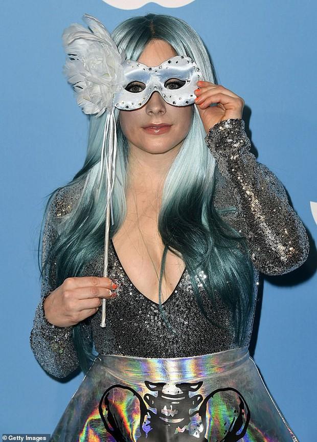 Avril Lavigne gây sốt MXH Việt vì đẹp đỉnh cao, đẳng cấp yêu tinh hack tuổi đỉnh nhất Hollywood thế này ai ngờ U40? - Ảnh 3.