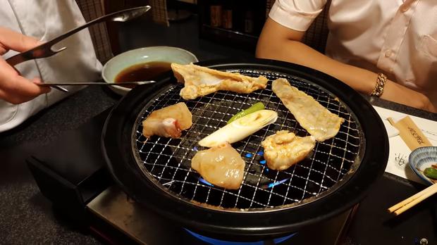 Khoa Pug liều mạng đi ăn cá nóc độc chết người ở Tokyo: sau này không thấy tôi ra video nữa là hiểu rồi nhé! - Ảnh 4.