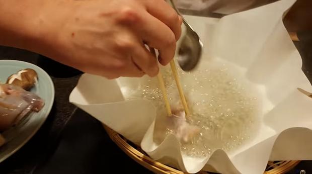 Khoa Pug liều mạng đi ăn cá nóc độc chết người ở Tokyo: sau này không thấy tôi ra video nữa là hiểu rồi nhé! - Ảnh 5.