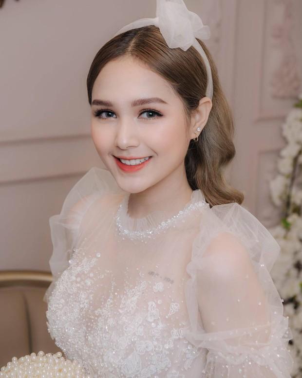 Streamer giàu nhất Việt Nam Xemesis mới tung ảnh cưới: Cô dâu kém 13 tuổi đẹp xuất sắc, chú rể xuất hiện đúng một lần - Ảnh 2.