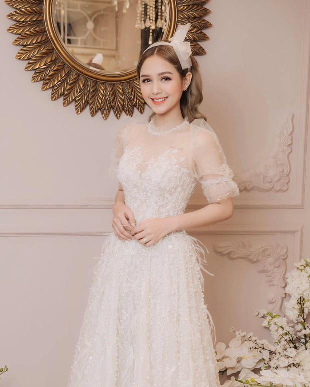 Streamer giàu nhất Việt Nam Xemesis mới tung ảnh cưới: Cô dâu kém 13 tuổi đẹp xuất sắc, chú rể xuất hiện đúng một lần - Ảnh 6.