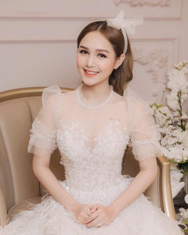 Streamer giàu nhất Việt Nam Xemesis mới tung ảnh cưới: Cô dâu kém 13 tuổi đẹp xuất sắc, chú rể xuất hiện đúng một lần - Ảnh 5.