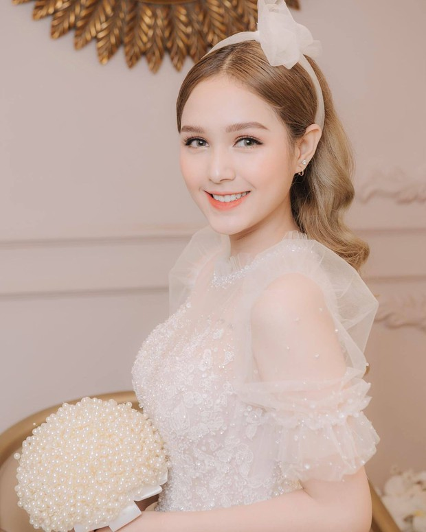 Streamer giàu nhất Việt Nam Xemesis mới tung ảnh cưới: Cô dâu kém 13 tuổi đẹp xuất sắc, chú rể xuất hiện đúng một lần - Ảnh 4.