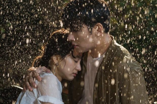 Ji Chang Wook chuẩn bạn trai quốc dân ở Nhẹ Nhàng Tan Chảy: Bồ cũ thì xao xuyến, gái trẻ muốn nhào đến hôn - Ảnh 4.