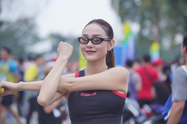 Minh Hằng gây náo loạn show Marathon khi chạy cùng dàn trai đẹp - Ảnh 1.