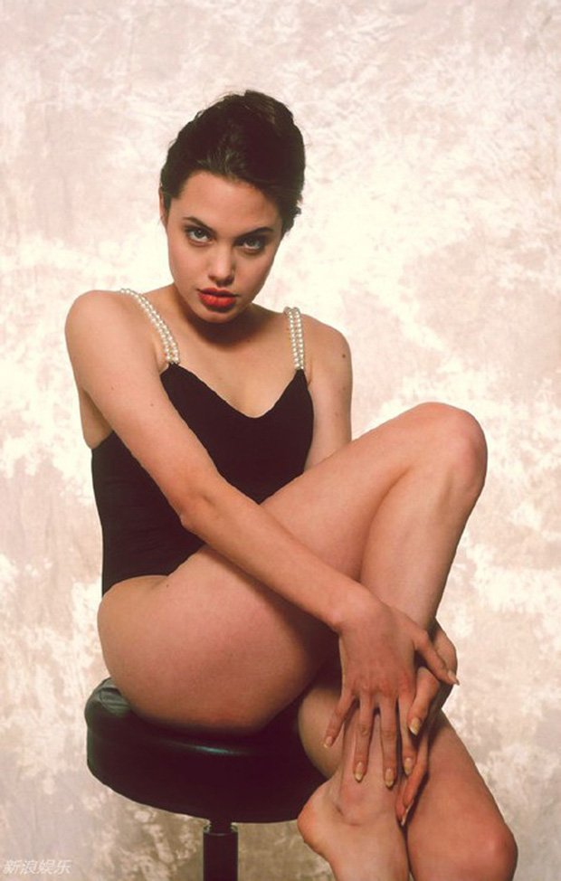 Angelina Jolie năm 16 tuổi đã đẹp xuất sắc nhường này, bảo sao trở thành tượng đài nhan sắc hạng A Hollywood - Ảnh 6.