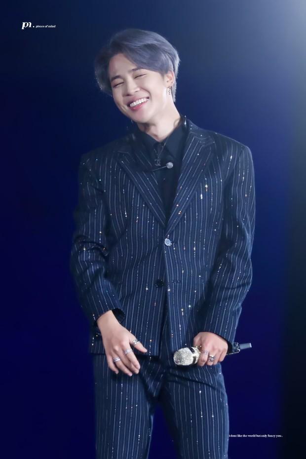 Chỉ với kiểu tóc mới trong concert cuối cùng của BTS tại Seoul, Jimin lại gây sốt toàn cầu khi lọt top trending sương sương 39 quốc gia - Ảnh 2.