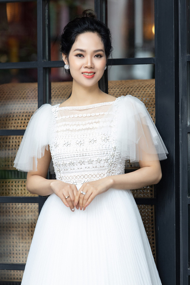 Dàn Hoa hậu, Á hậu hot nhất nhì Vbiz váy áo lộng lẫy, đụng độ bất phân thắng bại trong một khung hình - Ảnh 3.