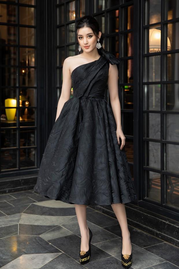Dàn Hoa hậu, Á hậu hot nhất nhì Vbiz váy áo lộng lẫy, đụng độ bất phân thắng bại trong một khung hình - Ảnh 11.