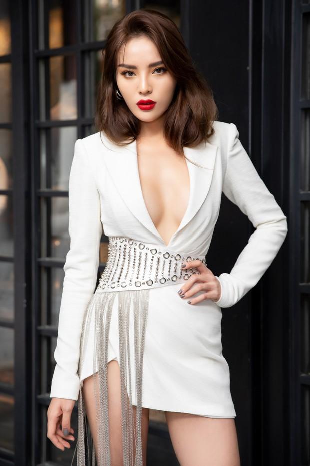 Dàn Hoa hậu, Á hậu hot nhất nhì Vbiz váy áo lộng lẫy, đụng độ bất phân thắng bại trong một khung hình - Ảnh 6.