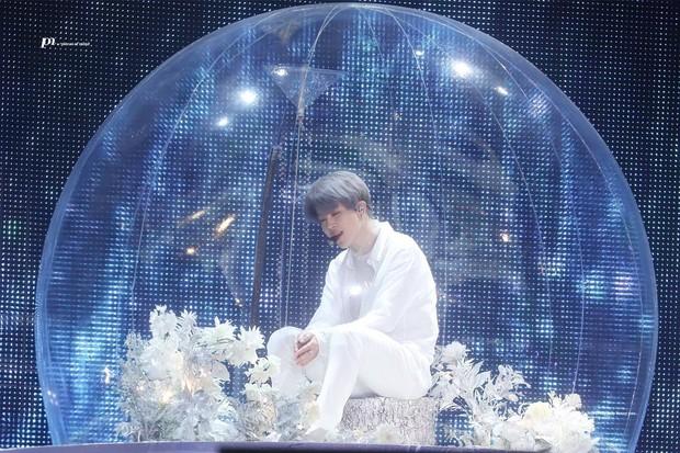 Chỉ với kiểu tóc mới trong concert cuối cùng của BTS tại Seoul, Jimin lại gây sốt toàn cầu khi lọt top trending sương sương 39 quốc gia - Ảnh 5.