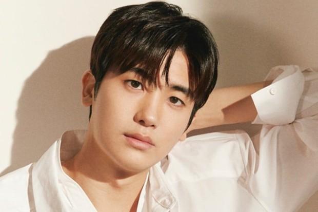 Sao Hàn từng bị bắt nạt thời đi học: V (BTS) khổ sở vì con nhà người ta, Kang Daniel bị bắt nạt vì xấu, nhưng chưa là gì so với Sulli bị nhấn đầu xuống nước - Ảnh 9.