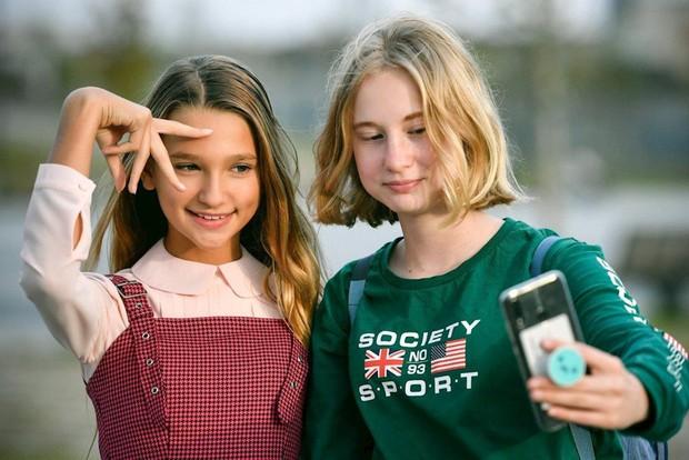 Trào lưu thời 4.0: Những đứa trẻ chưa kịp lớn đã trở thành ngôi sao mạng xã hội - Ảnh 1.