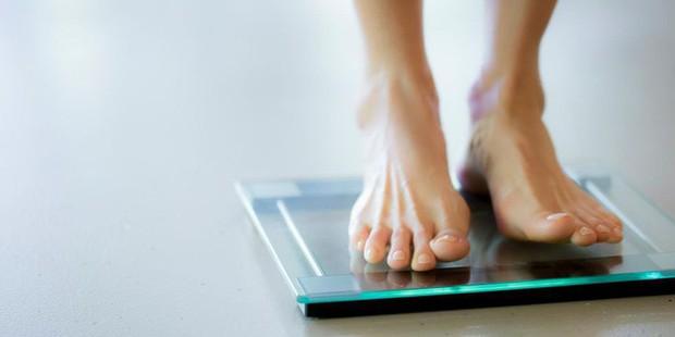 Bỗng dưng giảm cân một cách bất thường, đừng chủ quan, hãy xem bạn có mắc một trong những bệnh này không - Ảnh 1.