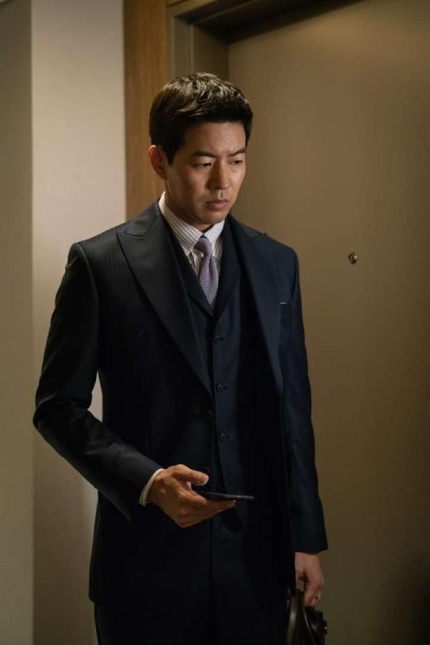 Tập nào cũng có twist khủng, phim xử gọn khách VIP của Jang Na Ra là cục vàng của SBS cuối năm? - Ảnh 5.