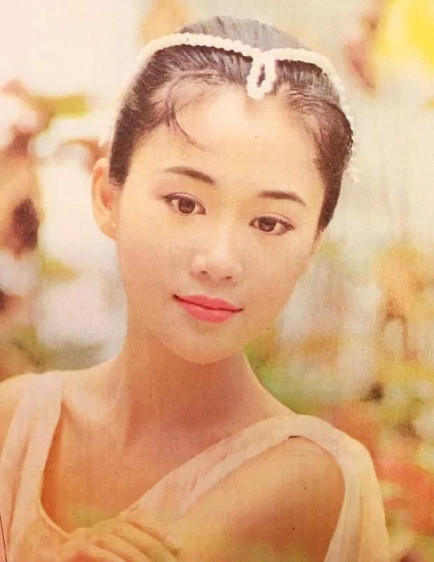 Lương Tiểu Băng - Chúc Anh Đài kinh điển nhất màn ảnh: Cuộc hôn nhân gần 20 năm đầy những khó khăn nhưng hạnh phúc bên Mã Văn Tài Trần Gia Huy - Ảnh 2.