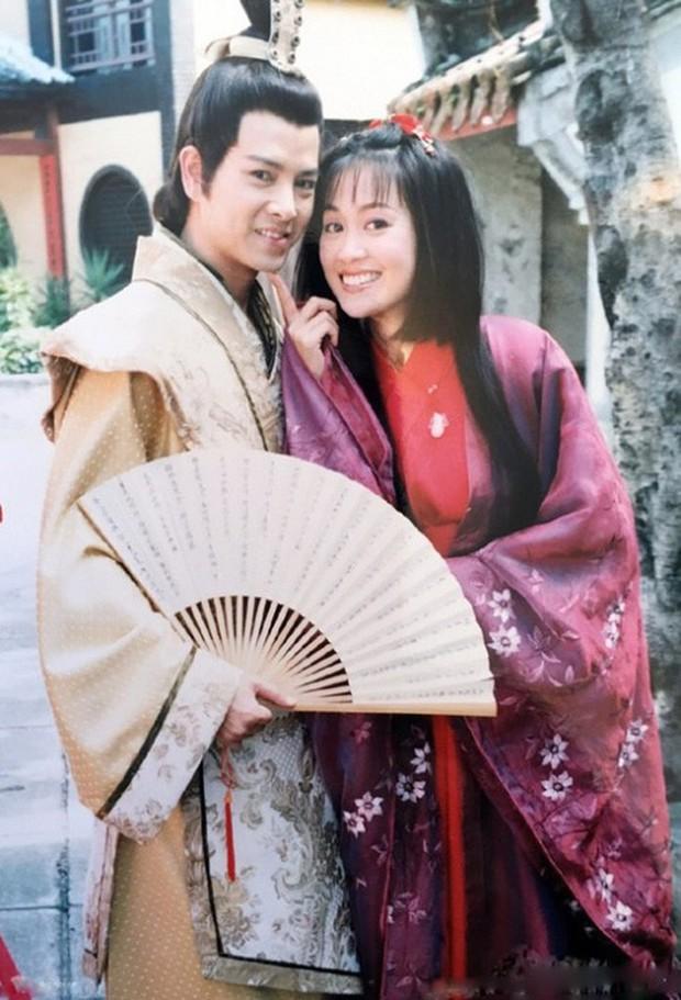 Lương Tiểu Băng - Chúc Anh Đài kinh điển nhất màn ảnh: Cuộc hôn nhân gần 20 năm đầy những khó khăn nhưng hạnh phúc bên Mã Văn Tài Trần Gia Huy - Ảnh 9.