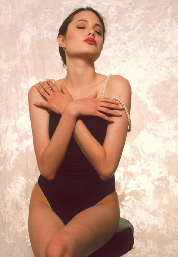 Angelina Jolie năm 16 tuổi đã đẹp xuất sắc nhường này, bảo sao trở thành tượng đài nhan sắc hạng A Hollywood - Ảnh 4.