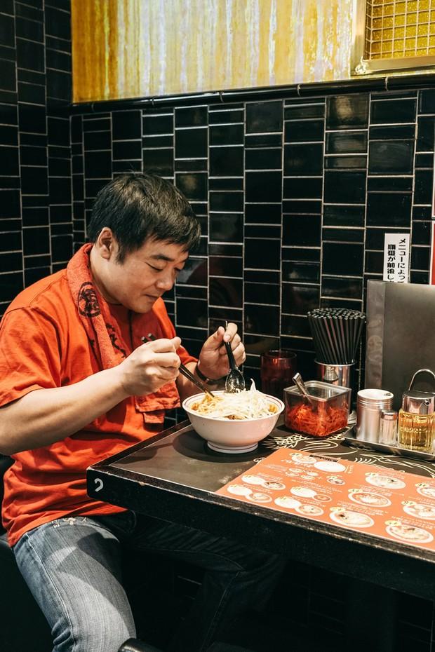 Ramen cay nhất Tokyo với 10 cấp độ khiến dân tình đỏ mặt tía tai nhưng vẫn vô cùng hút khách - Ảnh 8.