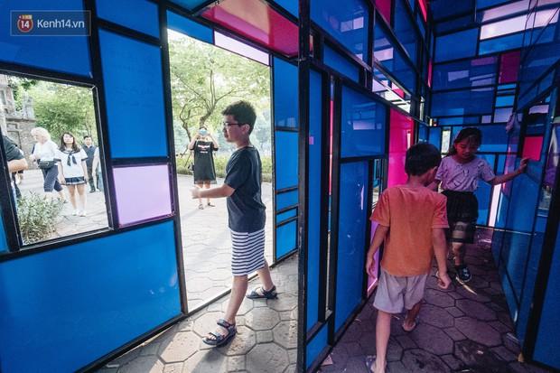 Đáng buồn chuyện người dân đi vệ sinh bên trong tác phẩm nghệ thuật giữa phố đi bộ Hà Nội: Chúng tôi đã rất tâm huyết nhưng bị đối đáp thật thậm tệ - Ảnh 3.