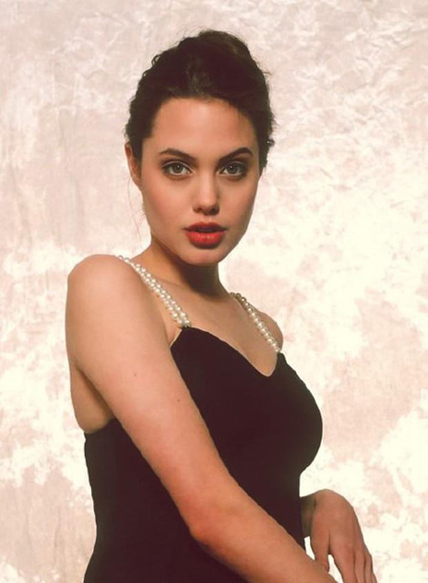 Angelina Jolie năm 16 tuổi đã đẹp xuất sắc nhường này, bảo sao trở thành tượng đài nhan sắc hạng A Hollywood - Ảnh 5.