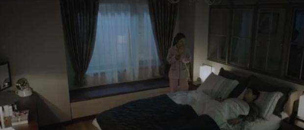 Mở màn đã được tặng ngay tin nặc danh bóc phốt chồng có tiểu tam, phim VIP của Jang Nara leo thẳng top 1 Naver! - Ảnh 4.