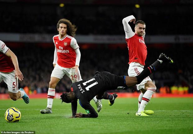 Arsenal hòa thất vọng trên sân nhà dù dẫn trước hai bàn trong ngày VAR không đứng về phía họ - Ảnh 3.