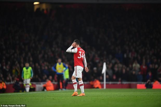 Arsenal hòa thất vọng trên sân nhà dù dẫn trước hai bàn trong ngày VAR không đứng về phía họ - Ảnh 6.