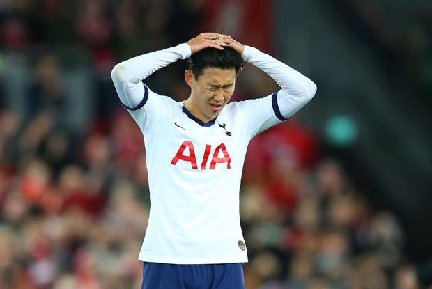 Son Heung-min cay đắng hóa thánh cột - xà, Tottenham thua ngược tiếc nuối đội đầu bảng Liverpool - Ảnh 2.