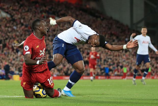 Son Heung-min cay đắng hóa thánh cột - xà, Tottenham thua ngược tiếc nuối đội đầu bảng Liverpool - Ảnh 9.