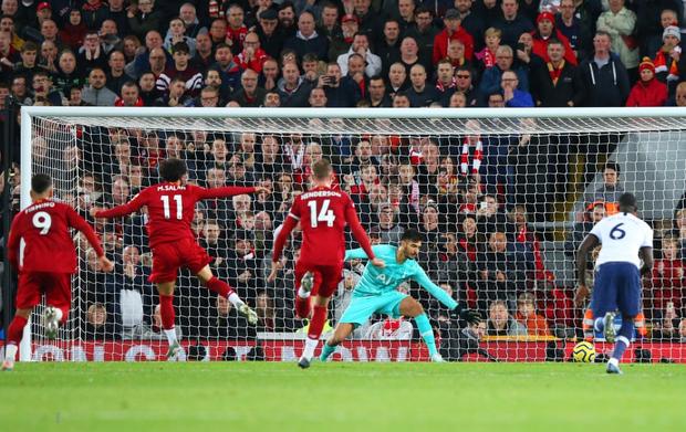 Son Heung-min cay đắng hóa thánh cột - xà, Tottenham thua ngược tiếc nuối đội đầu bảng Liverpool - Ảnh 10.