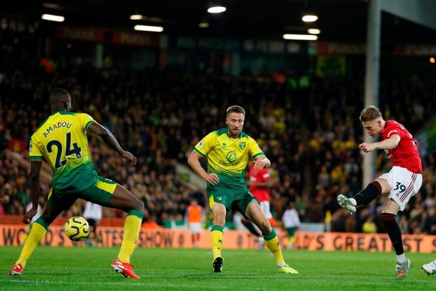 Đá hỏng phạt đền hai lần, Man Utd vẫn giành chiến thắng trước đội đứng áp chót Ngoại hạng Anh - Ảnh 2.